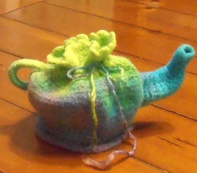 Teapot Tea Keeper Free Crochet Pattern