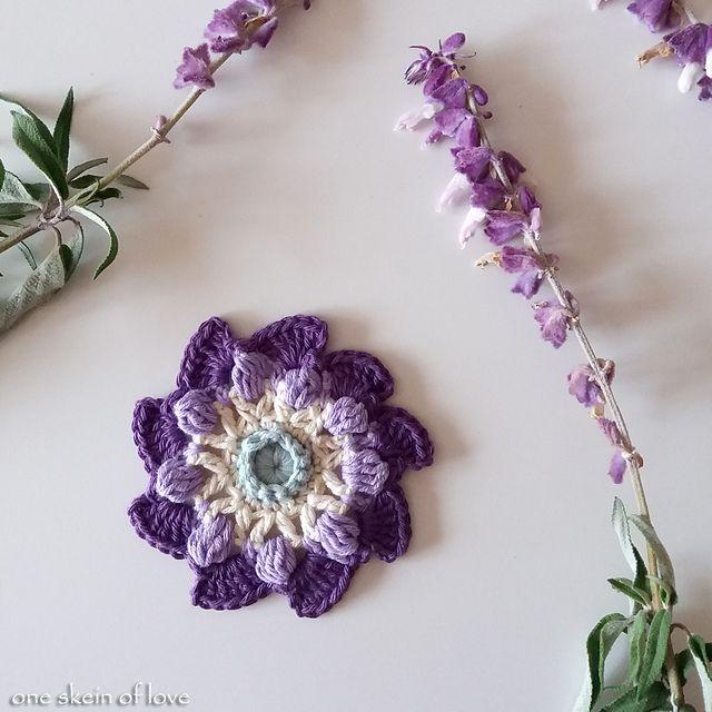 Encantador Knitted Bouquet Pattern Festooning - Patrón de Vestido de ...