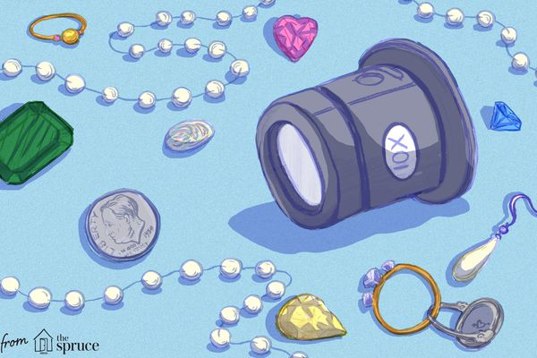Illustration of coins and jewelry