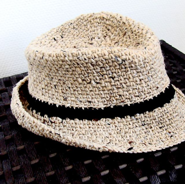 eac51114ac611 Fedora  Bowler Crochet Hat Free Pattern For Men. Lthingies