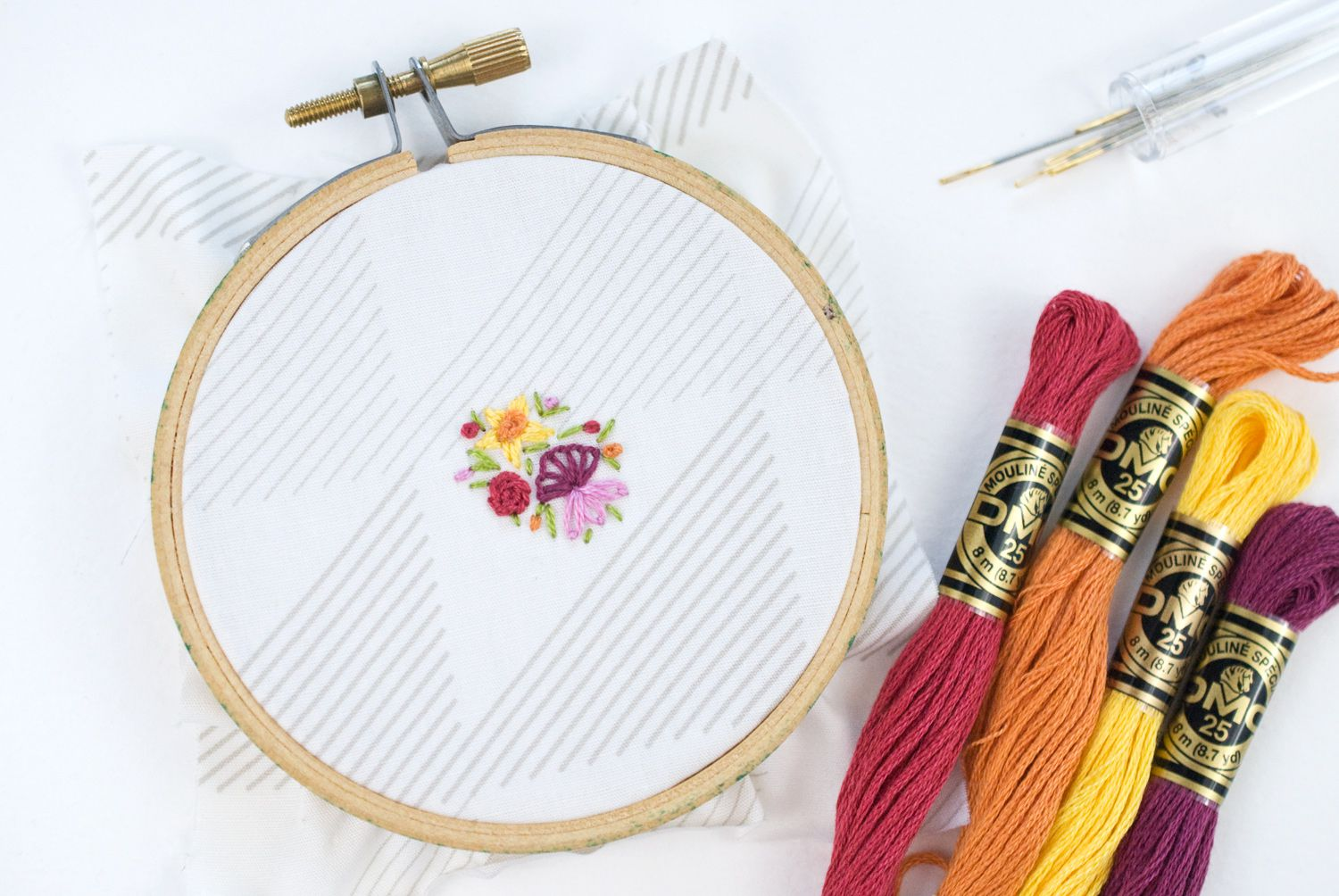 How To Embroider Tiny Flowers