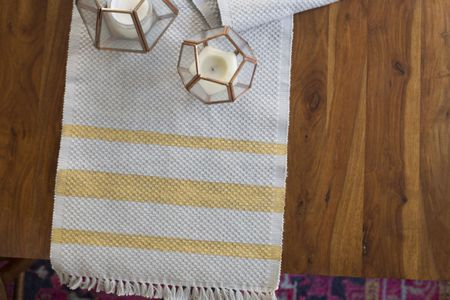 how to make a table runner in 30 minutes or less