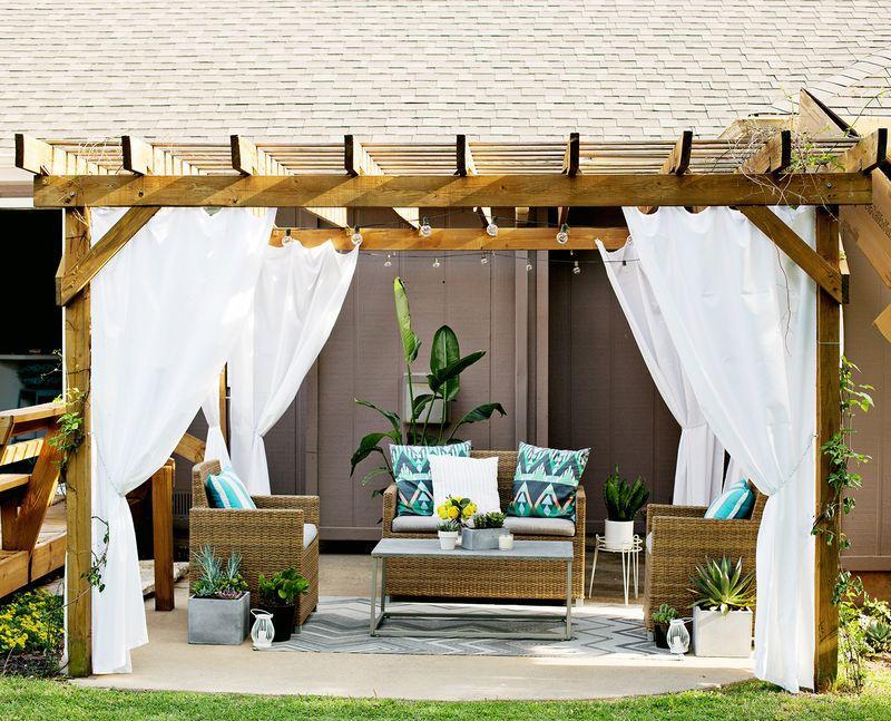 DIY Outdoor Pergola Curtains