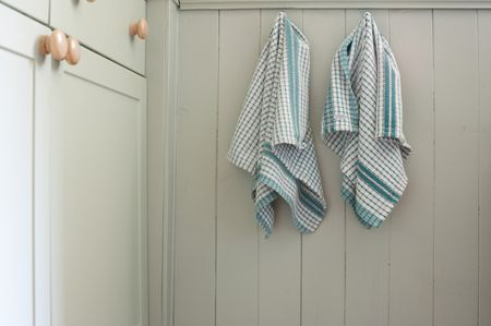 Free Pattern to Sew Your Own Hanging Dish Towel