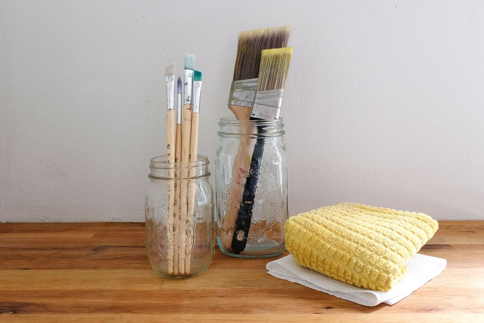 how to clean paint brushes using water based paint