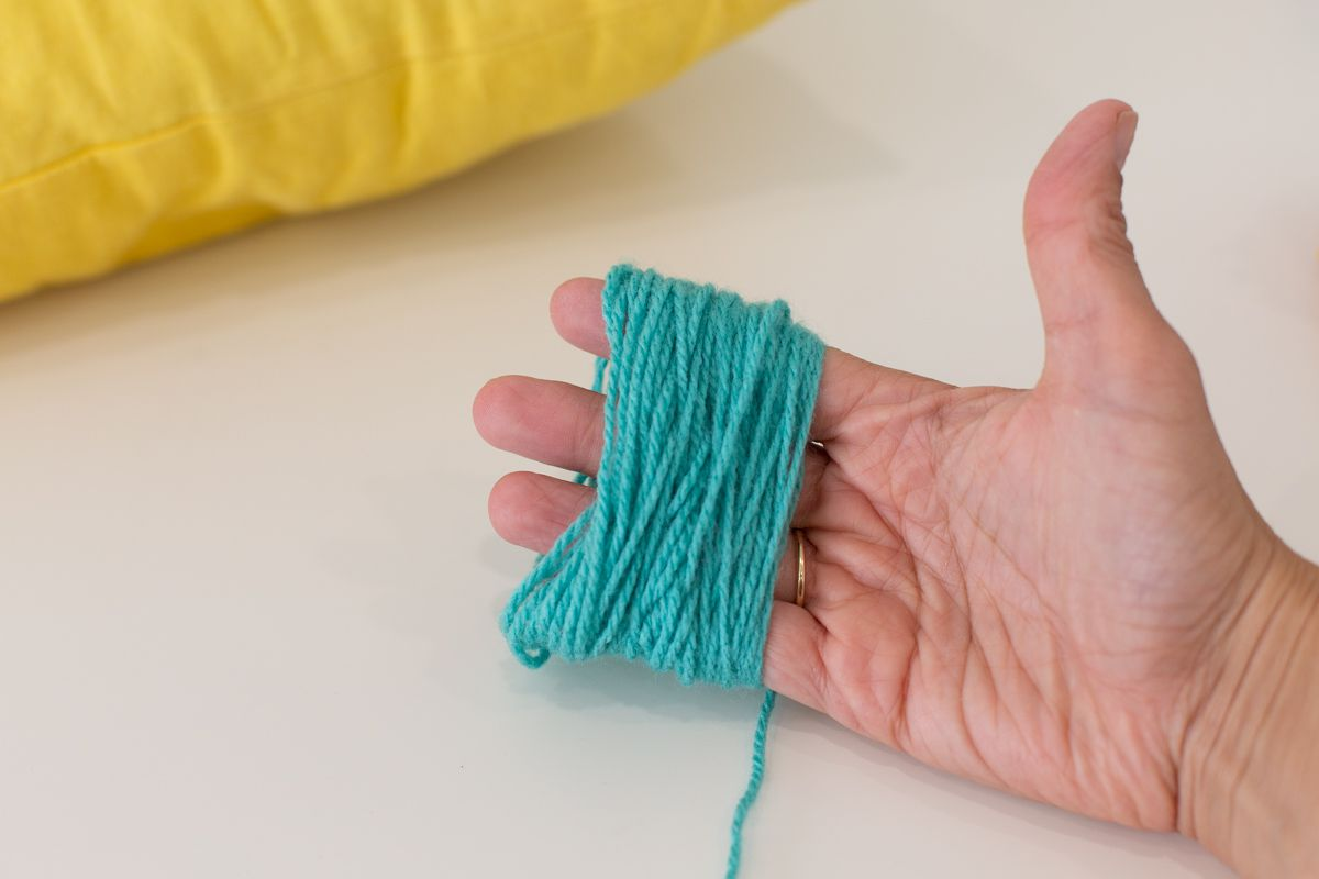 Wrapped yarn for tassel making
