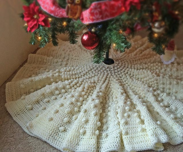 10 Crochet Christmas Tree Skirts