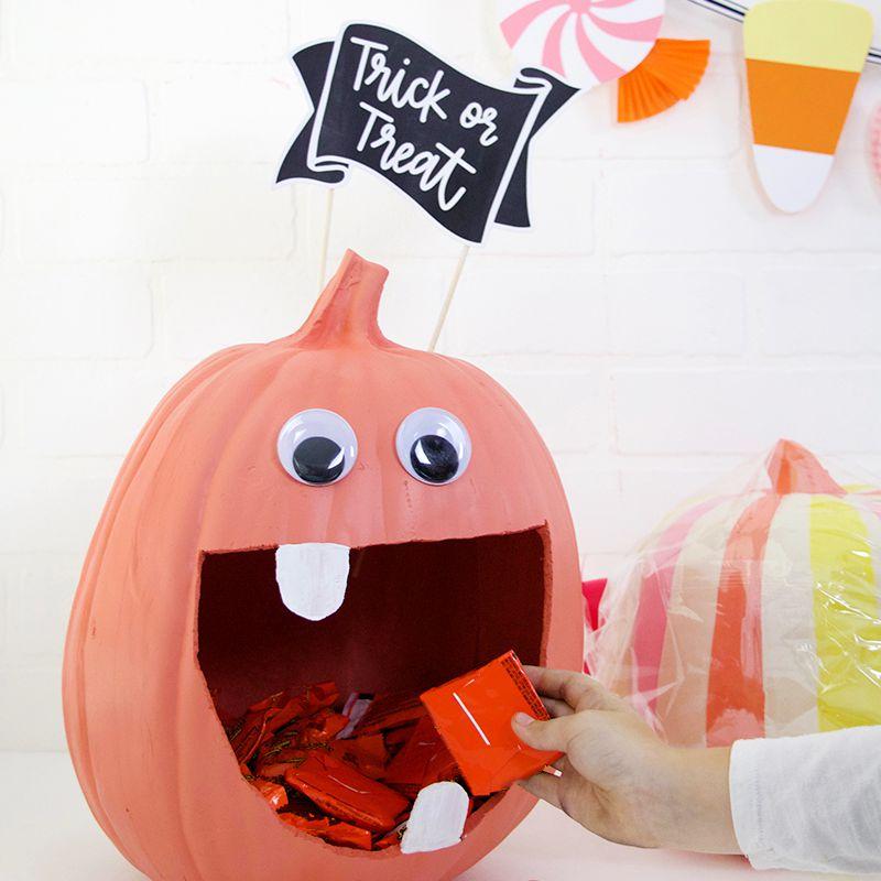 large mouth pumpkin