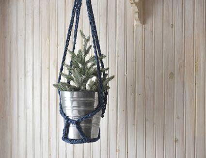 Easy Crocheted Plant Holder Pattern