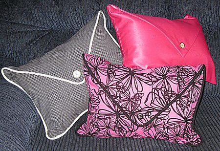 Sew A Decorative Pillow Using A Free Pattern Fascinating Decorative Pillows With Buttons