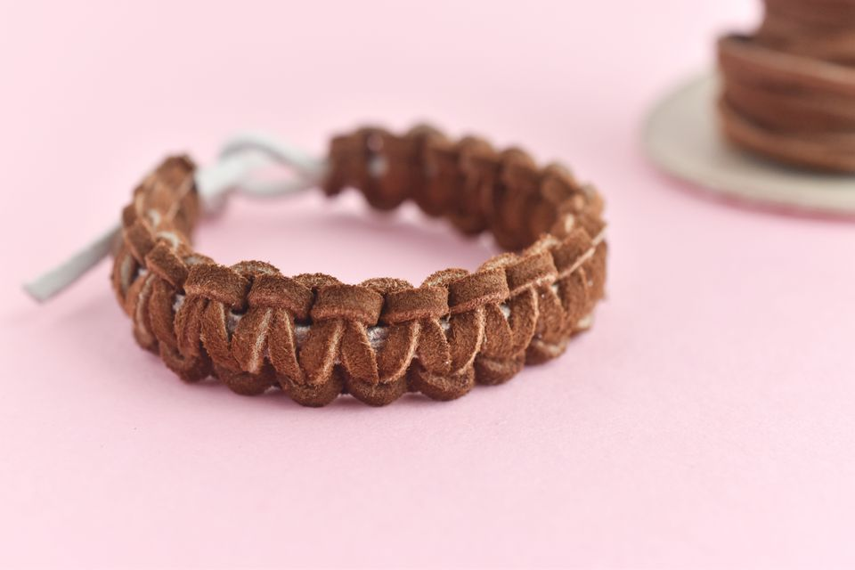 Cobra Stitch Knot Tutorial for Making a Leather Bracelet