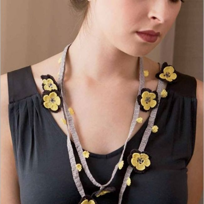 Turkish crochet flower necklace pattern