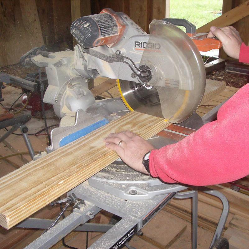 cutting the frame wood