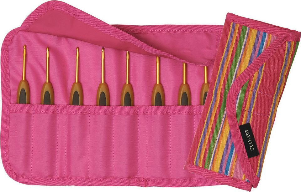 Clover crochet hooks in a pink carrying case