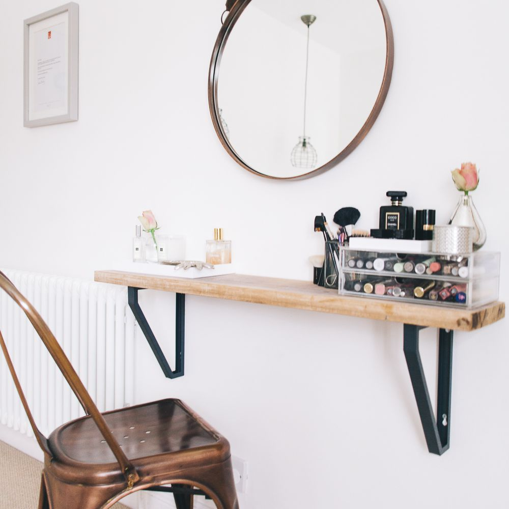 Small room DIY ideas for makeup