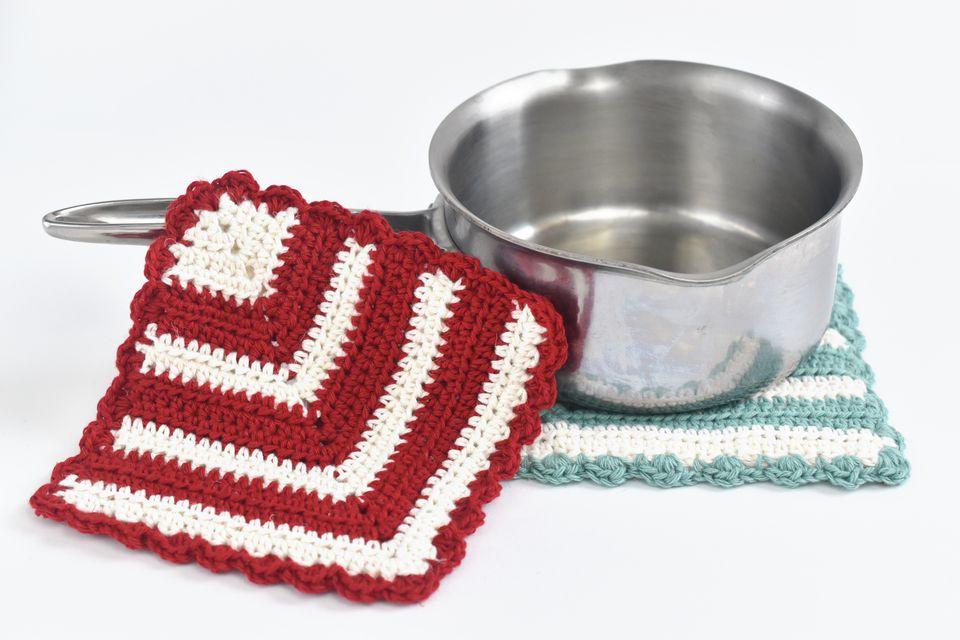 DIY Vintage-Style Crochet Potholder