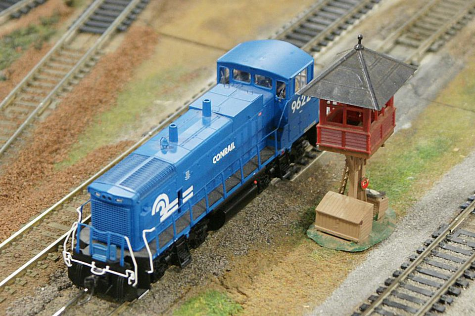 HO Scale MP15DC