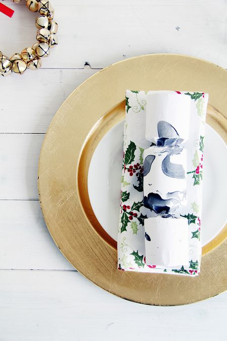 diy marble christmas crackers - Diy Christmas Table Decorations