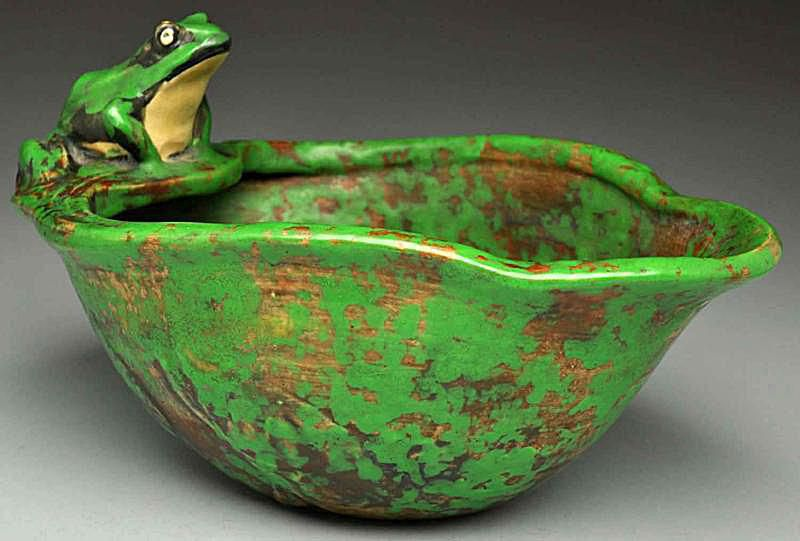 Weller Coppertone Frog Bowl or Compote