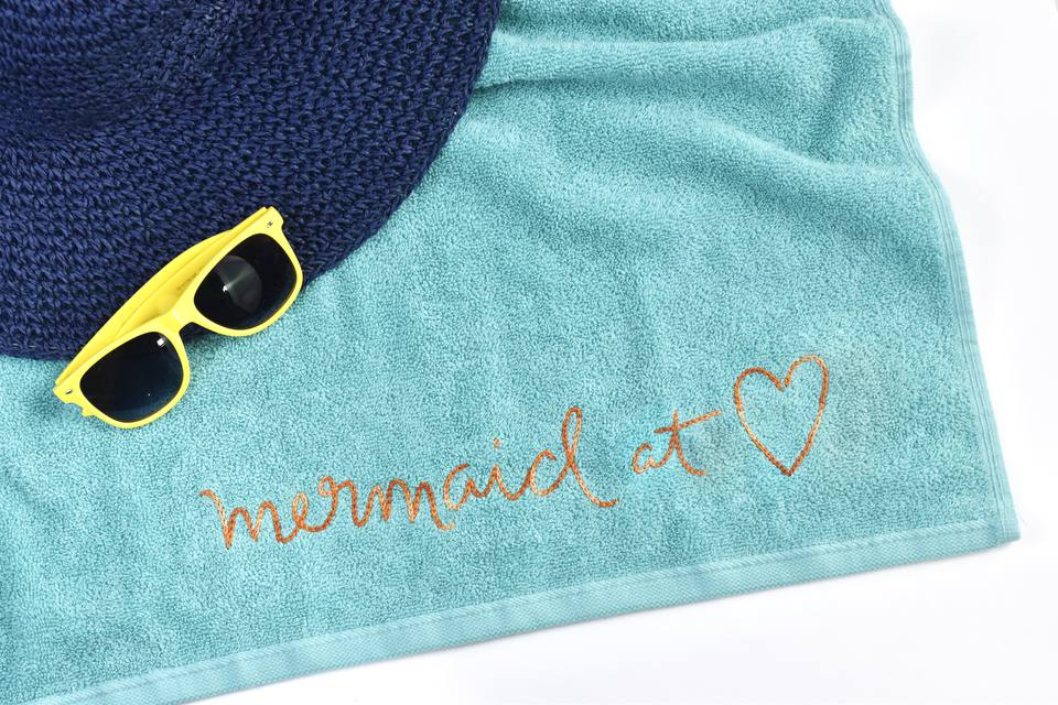 How to Embroider a Beach Towel