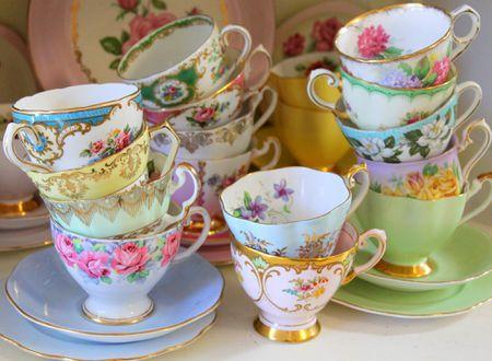 4 Factors That Devalue Antique Porcelain