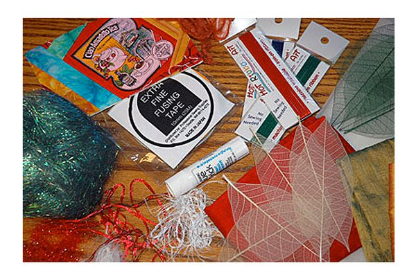 How to Make Fabric Postcards
