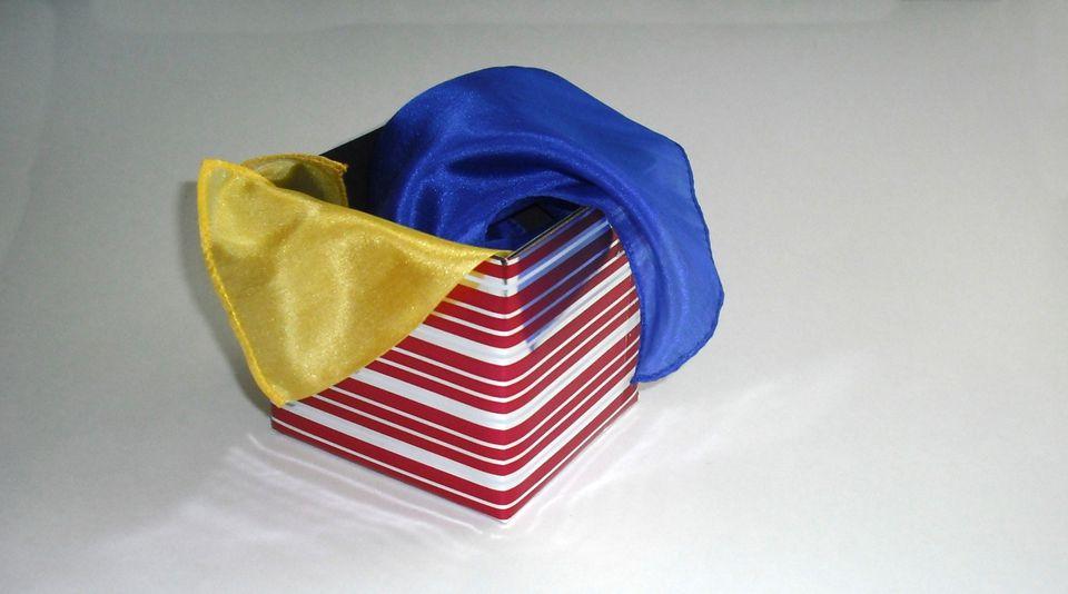 DIY-Magic-Box-Trick-07.JPG