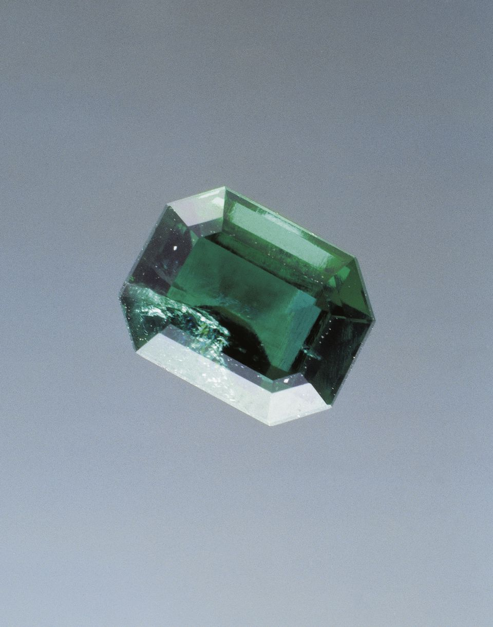 An emerald, a silicate gem