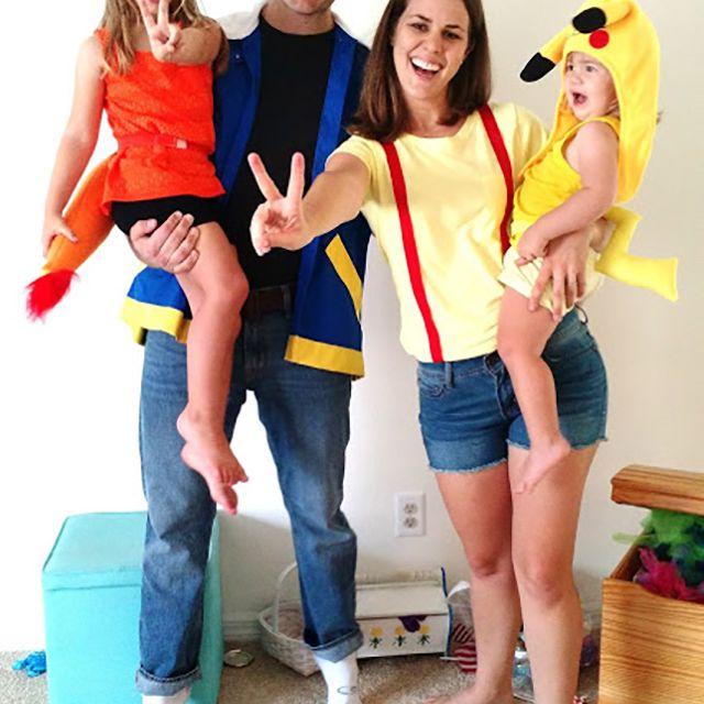 Family-themed halloween costume, pokemon