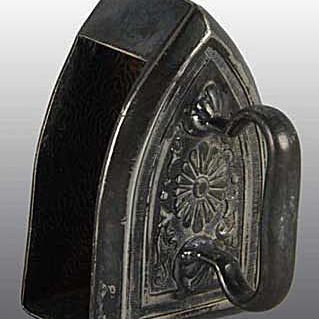 Tufts Iron Figural Napkin Ring