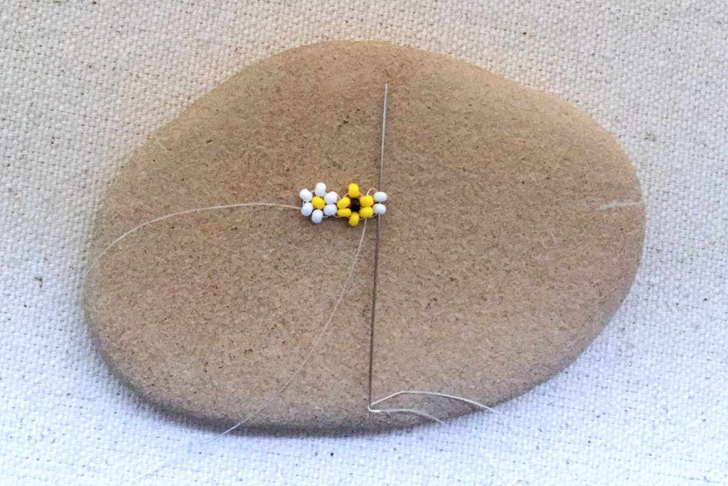 Making the second flower of a daisy chain