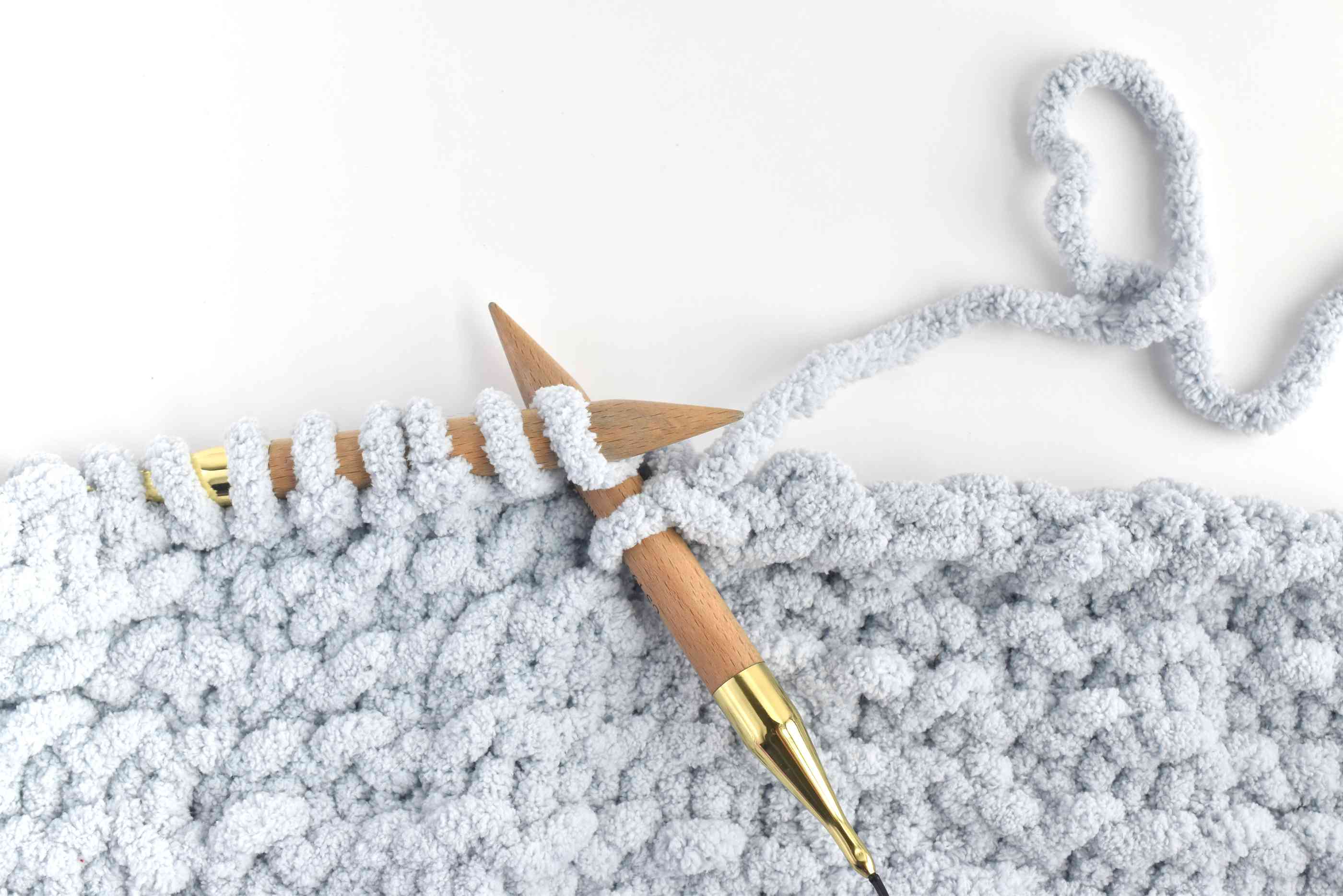 Bind Off With a Stretching Cast Off Stitch