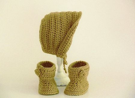 d47e730ac7a Baby Bonnet and Booties Crochet Pattern
