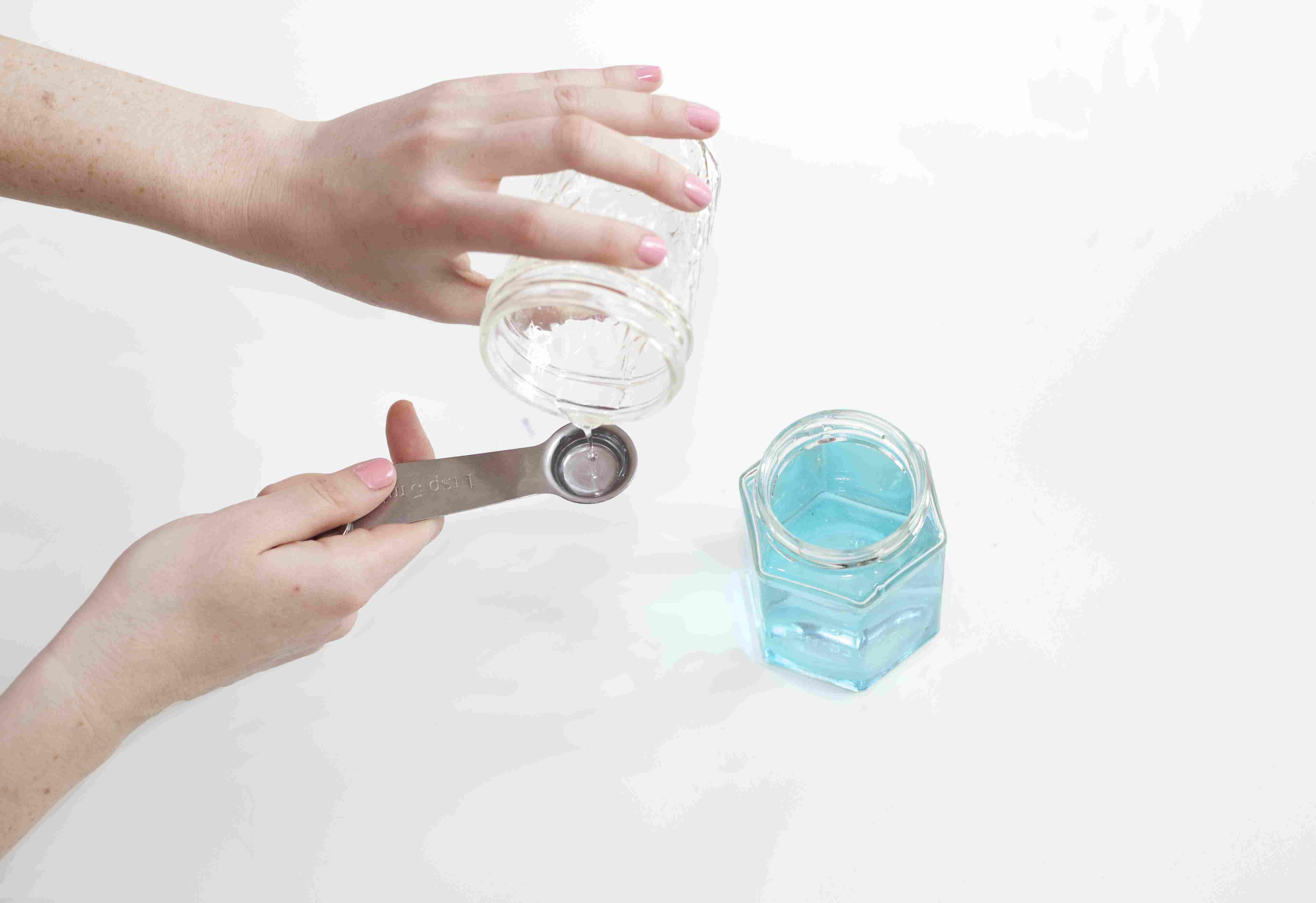 DIY bubble blowing mixture