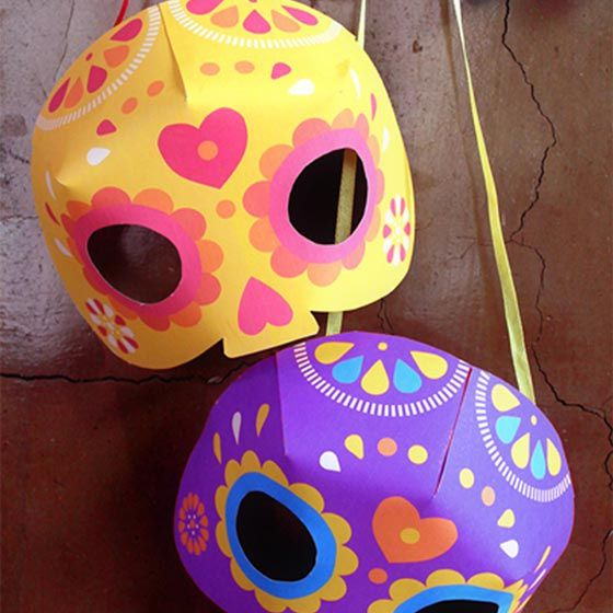 3D calvara masks in yellow and purple.
