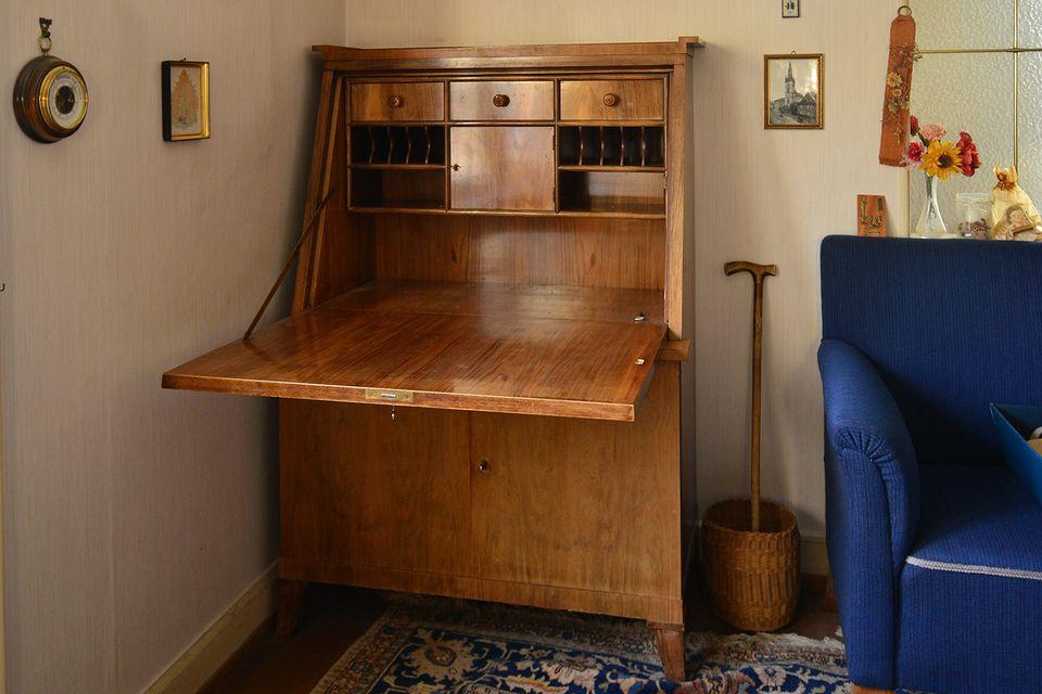 Fall Front Vs Drop Desk