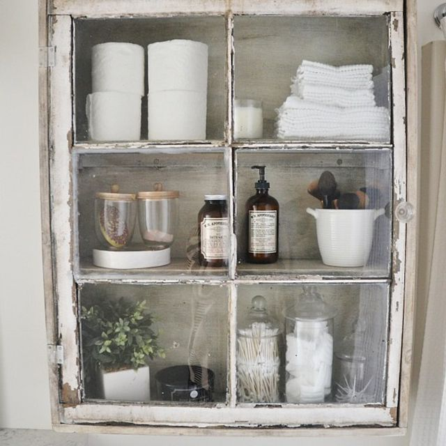 Small bathroom DIY projects