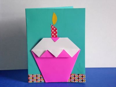 making an origami birthday card