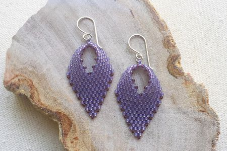 How To Make Russian Style Leaves Using Peyote Stitch