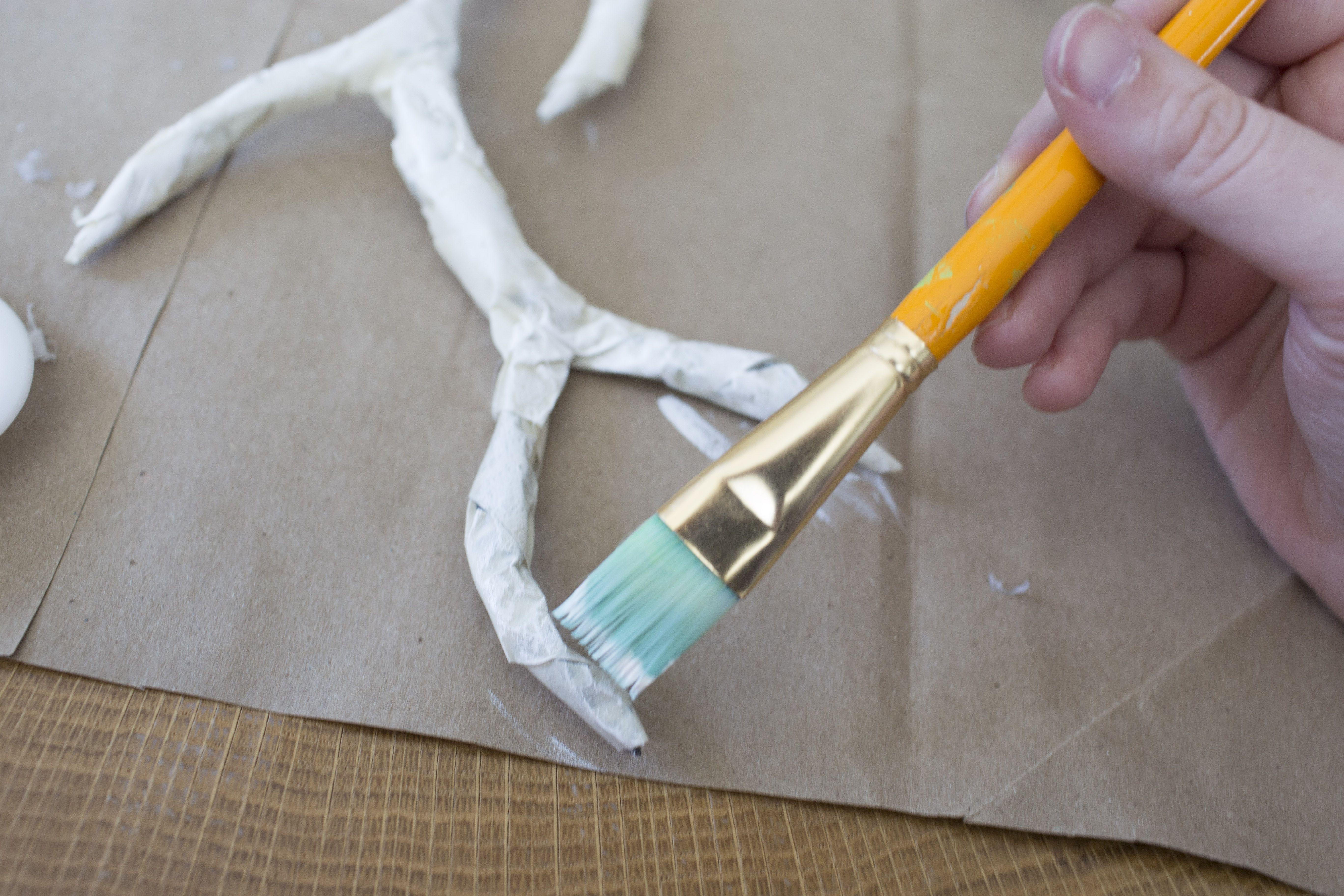Painting DIY antlers