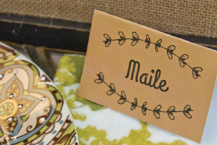 simple laurel leaf place cards