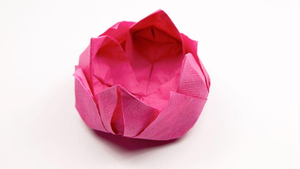 origami lotus napkin folding 00
