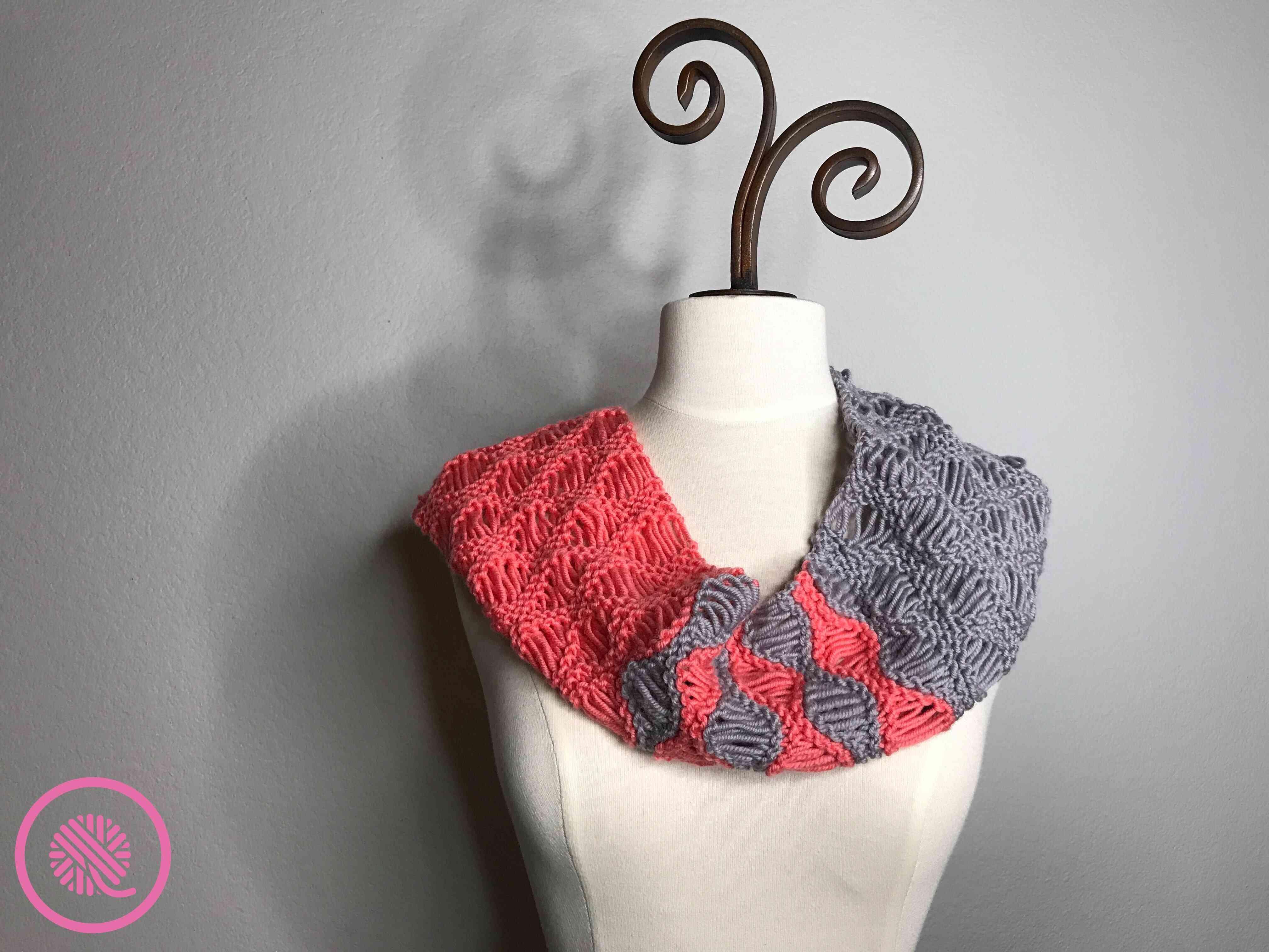 Loom Knit Coral Breezes Infinity Scarf Pattern