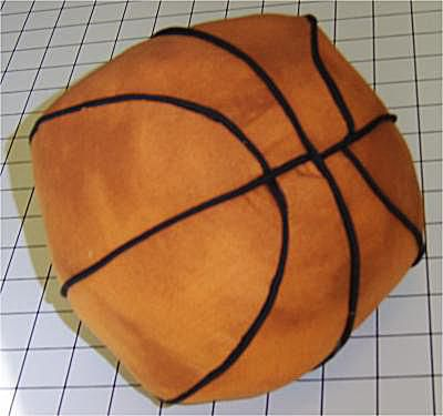 Free pattern and directions to sew a basketball pillow