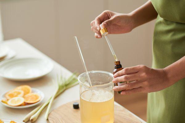 Adding oils into soap mixture