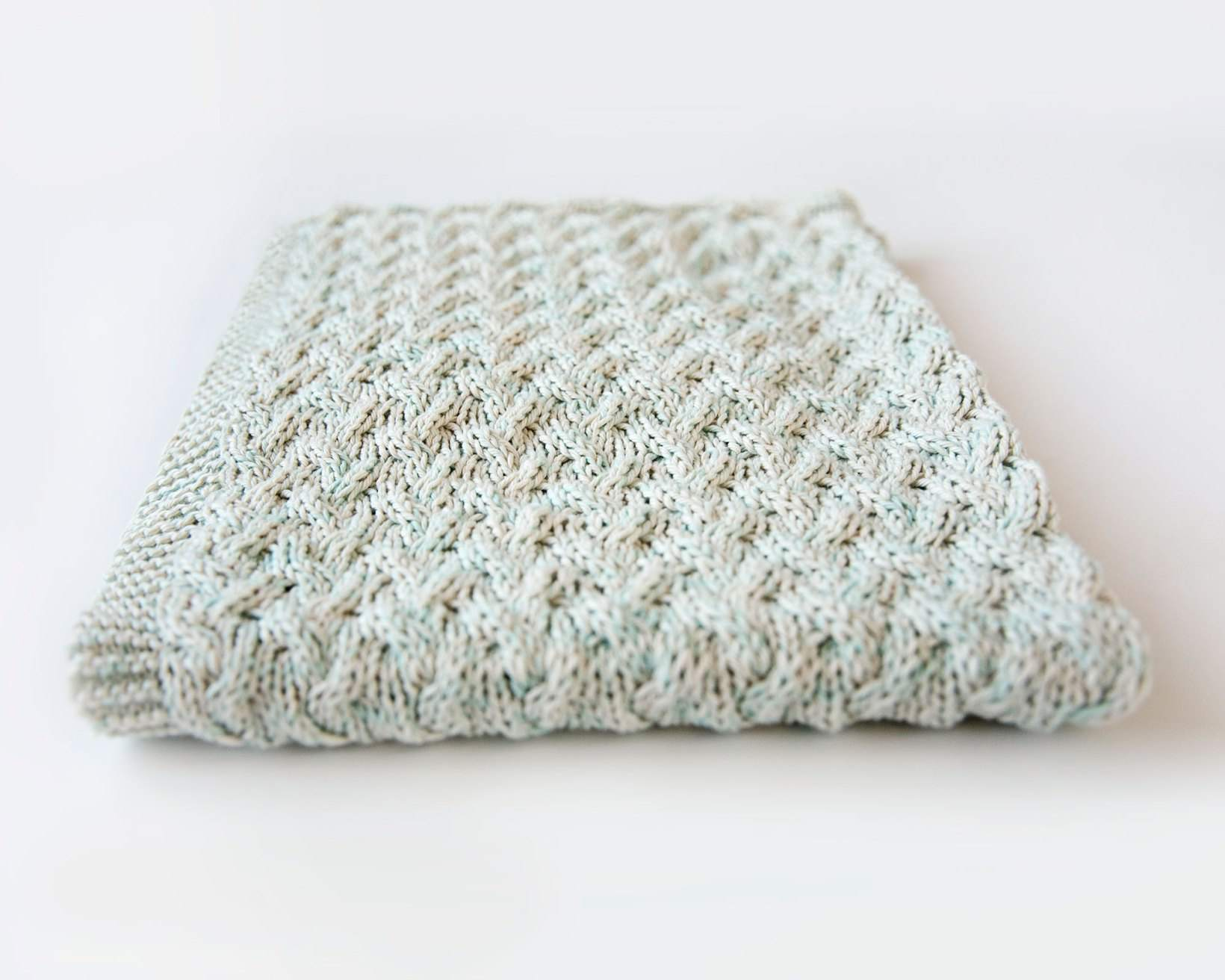25 Best Knitting Patterns for Baby Clothes & Accessories