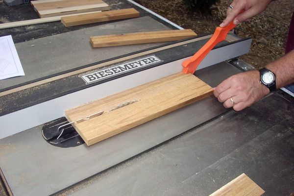 Cutting on a pristine table saw, full of rust