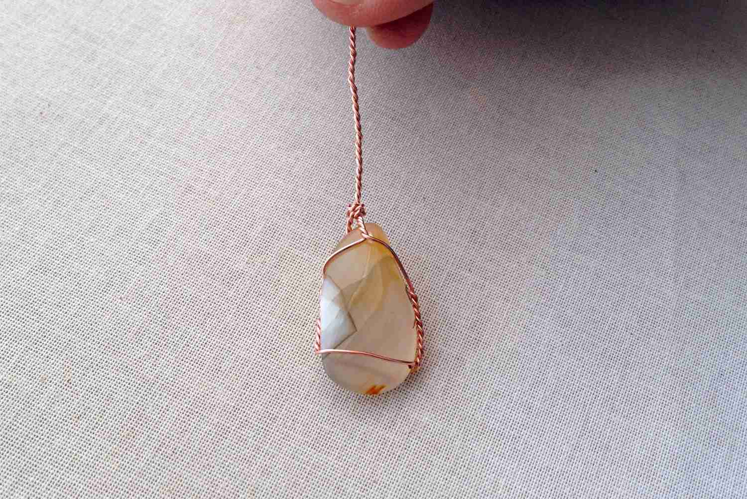 How To Make A Wire Wrapped Stone Pendant Necklace