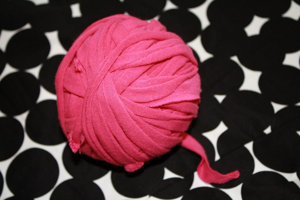 t-shirt yarn ball