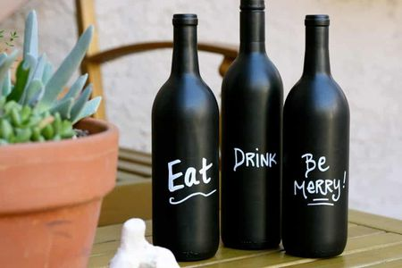 b55e7521b01d 25 DIY Wine Bottle Crafts